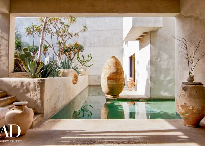 iconic pool venice california photography location, architectural digest logo